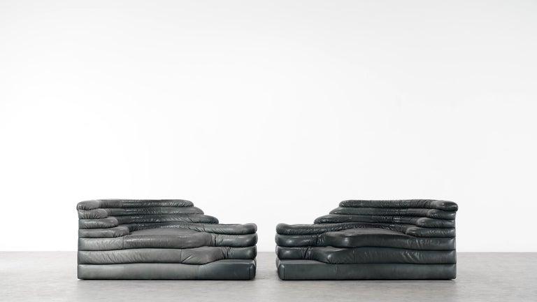 Two De Sede, Terrazza Sofa, Black Leather by Ubald Klug & Ueli Berger in 1972 For Sale 1