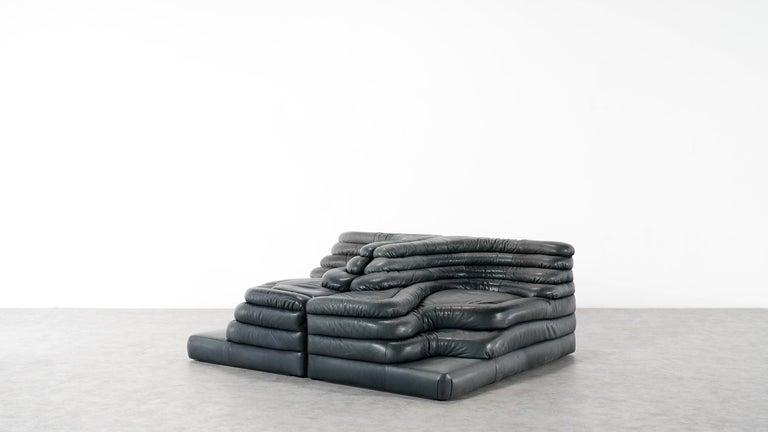 Two De Sede, Terrazza Sofa, Black Leather by Ubald Klug & Ueli Berger in 1972 For Sale 2