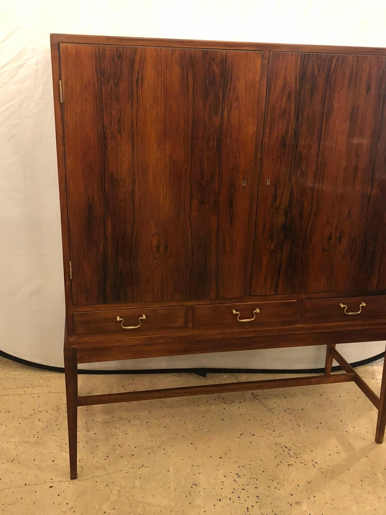 Two-Door over Three-Drawer Mid-Century Modern Brazilian Rosewood Cabinet Chest In Good Condition For Sale In Stamford, CT