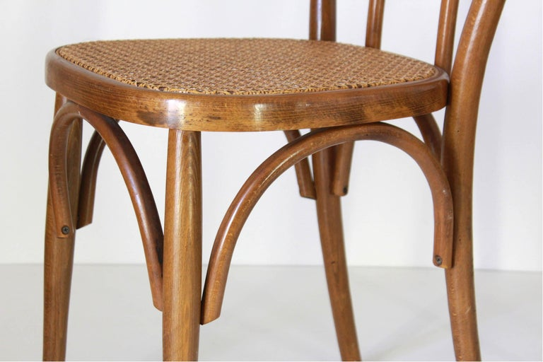 Two Early 20th Century Thonet Style curved Wood Chairs For Sale 2