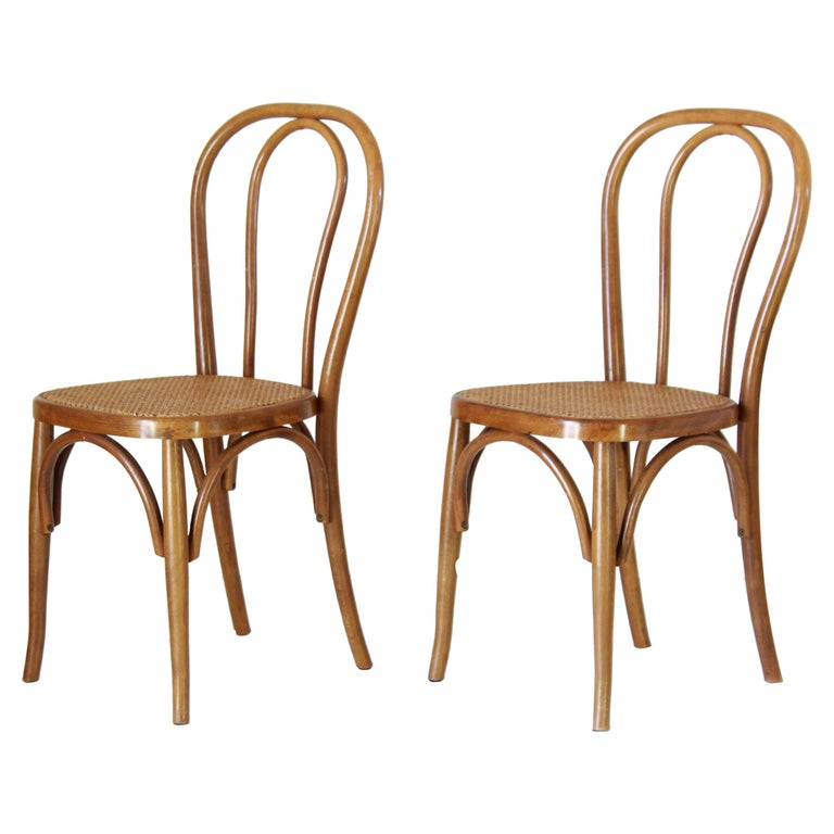 Two Early 20th Century Thonet Style curved Wood Chairs For Sale