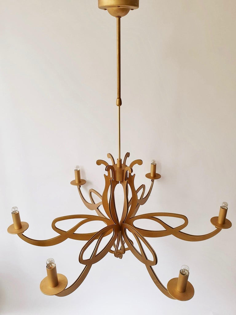 Two Elegant Large Art Nouveau Hollywood Regency Style Chandeliers In Good Condition For Sale In Antwerp, BE