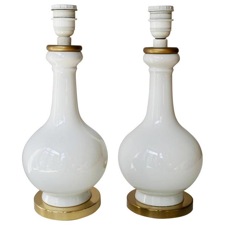 Two Elegant White Porcelain Table Lamps, 1970s For Sale