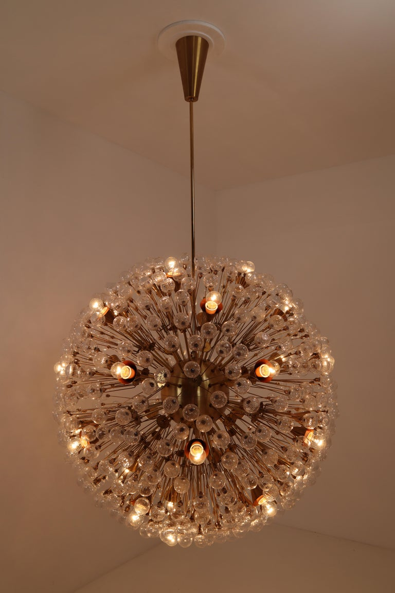 Extreme Large Mid-Century Solid Brass Chandelier with 500 X Handblown Glass For Sale 5