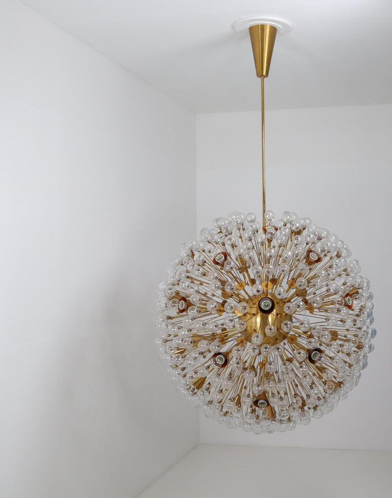 Extreme Large Mid-Century Solid Brass Chandelier with 500 X Handblown Glass For Sale 7