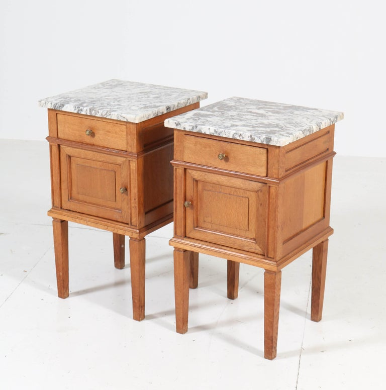 Two French Art Deco Nightstands or Bedside Tables, 1930s In Good Condition For Sale In Amsterdam, NL
