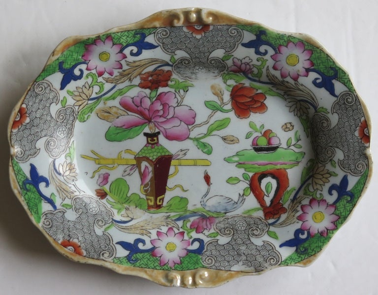 Two Georgian Mason's Ironstone Oval Dishes Table & Flower Pot Pattern, Ca 1818 For Sale 3