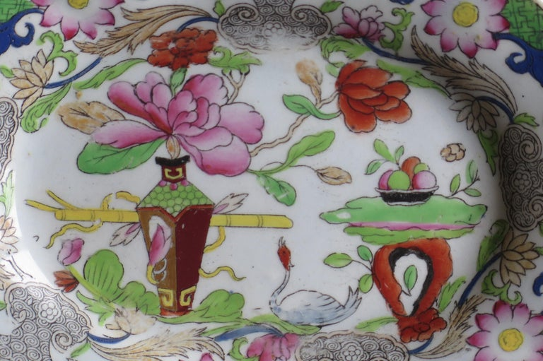 Two Georgian Mason's Ironstone Oval Dishes Table & Flower Pot Pattern, Ca 1818 For Sale 4