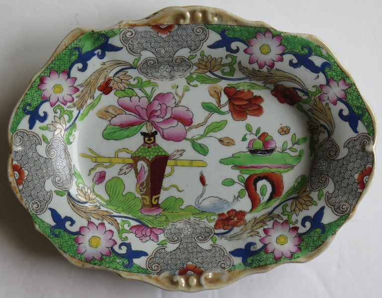 Two Georgian Mason's Ironstone Oval Dishes Table & Flower Pot Pattern, Ca 1818 For Sale 2