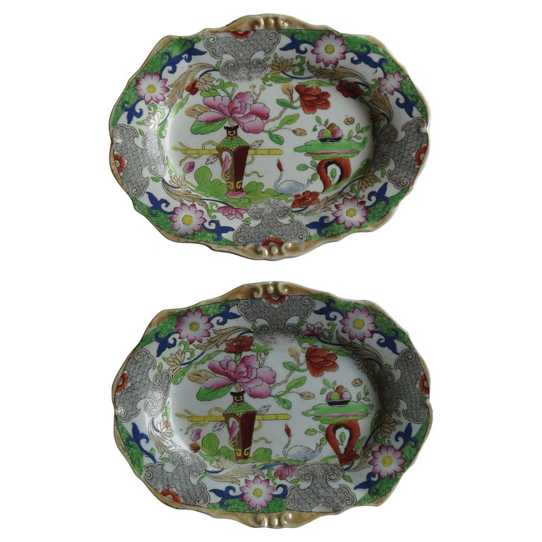 Two Georgian Mason's Ironstone Oval Dishes Table & Flower Pot Pattern, Ca 1818 For Sale