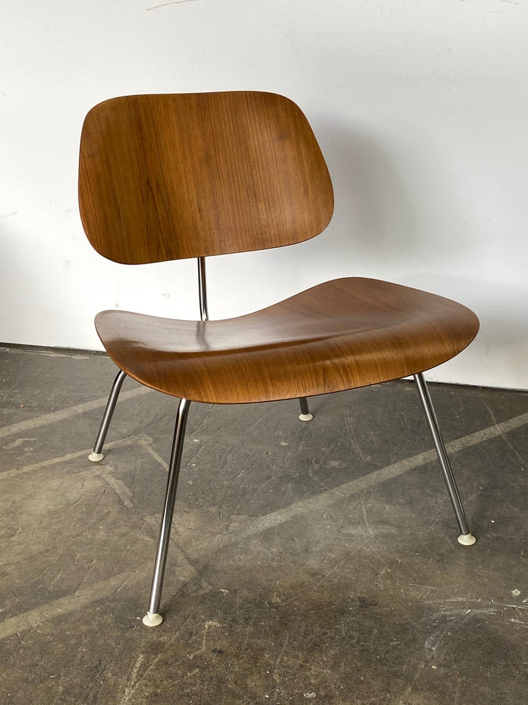 Two Herman Miller Eames LCM Chairs in Walnut In Good Condition In Brooklyn, NY