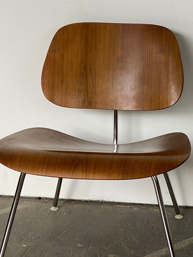 20th Century Two Herman Miller Eames LCM Chairs in Walnut