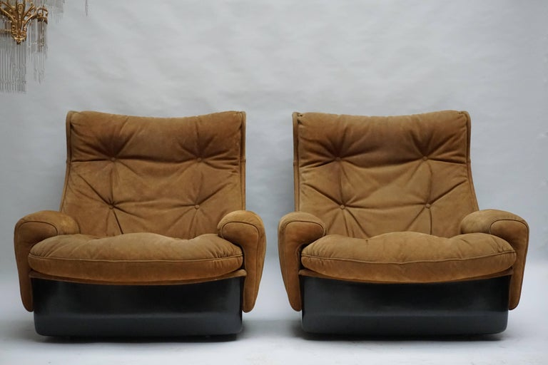 Hollywood Regency Two Lounge Chairs by Airborne International, circa 1970s For Sale