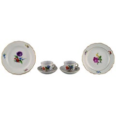Two Meissen Coffee Cups with Saucers and Two Plates, 1920s-1930s