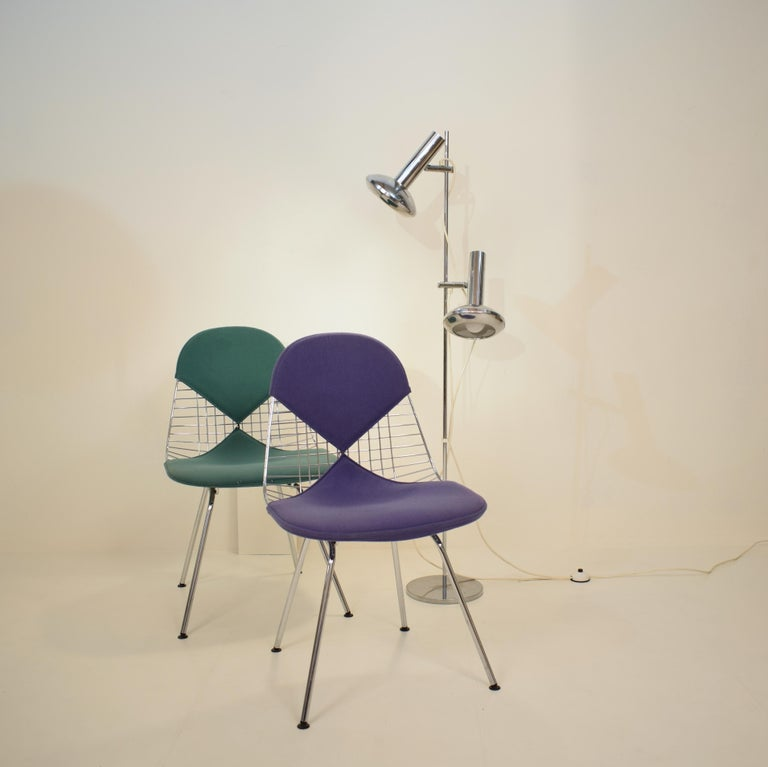 Two Midcentury DKX-2 Wire Bikini Shell Chairs X-Bases by Eames Herman Miller For Sale 3