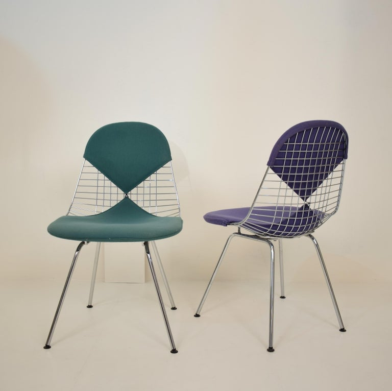 Two Midcentury DKX-2 Wire Bikini Shell Chairs X-Bases by Eames Herman Miller In Good Condition For Sale In Berlin, DE