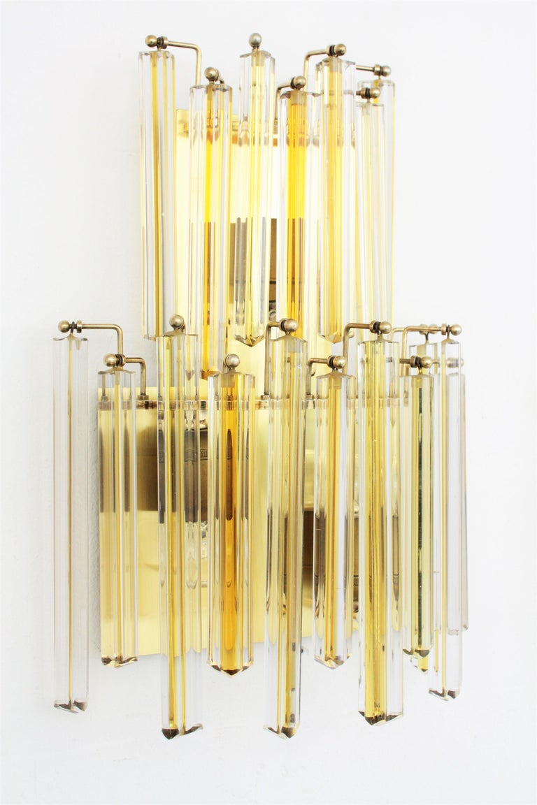 Mid-Century Modern Venini Murano Triedri Wall Lights in Clear and Yellow Glass, Set of Two For Sale