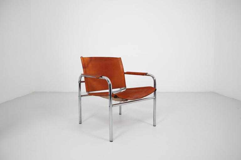 Two Midcentury Tubular Armchairs in Patinated Cognac Leather, France, 1960s For Sale 1