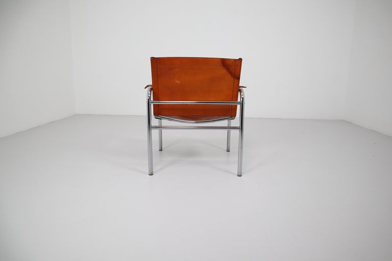 Two Midcentury Tubular Armchairs in Patinated Cognac Leather, France, 1960s For Sale 2