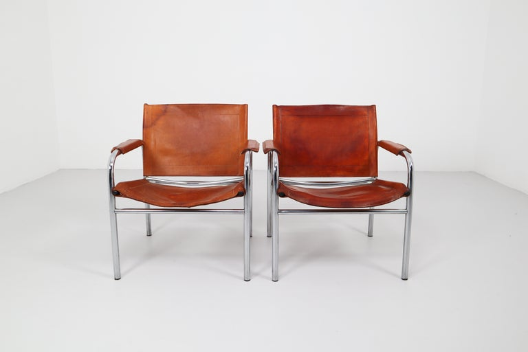 Two Midcentury Tubular Armchairs in Patinated Cognac Leather, France, 1960s For Sale 3