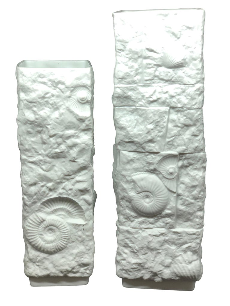 Two Midcentury Bisque Fossil Vases by Kaiser Porcelain, Germany, 1970s In Good Condition For Sale In Nürnberg, DE