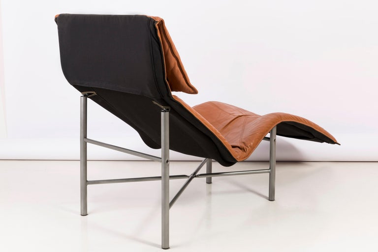Two Midcentury Danish Modern Leather Chaise Lounge Chairs, Tord Björklund, 1980 For Sale 2