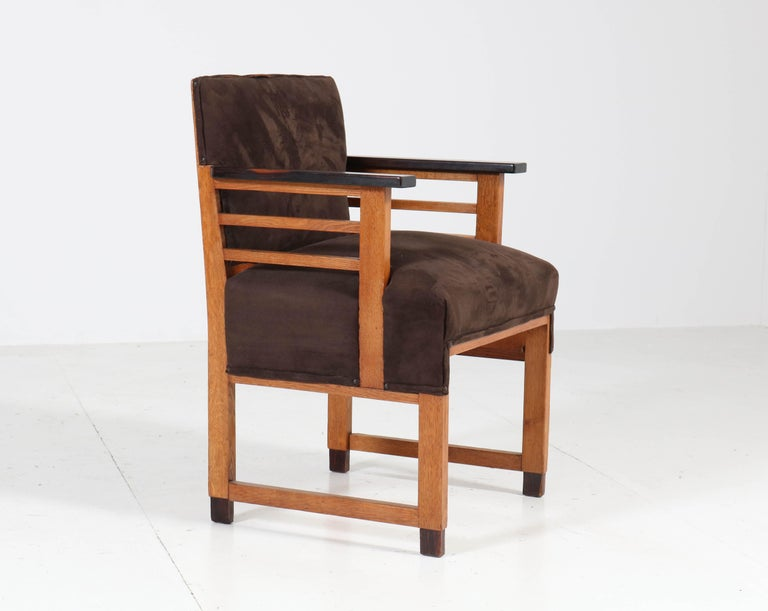 Two Oak Art Deco Haagse School Armchairs by t Woonhuys, Amsterdam, 1920s For Sale 1