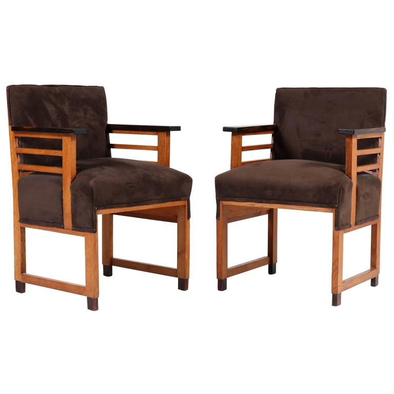 Two Oak Art Deco Haagse School Armchairs by t Woonhuys, Amsterdam, 1920s For Sale
