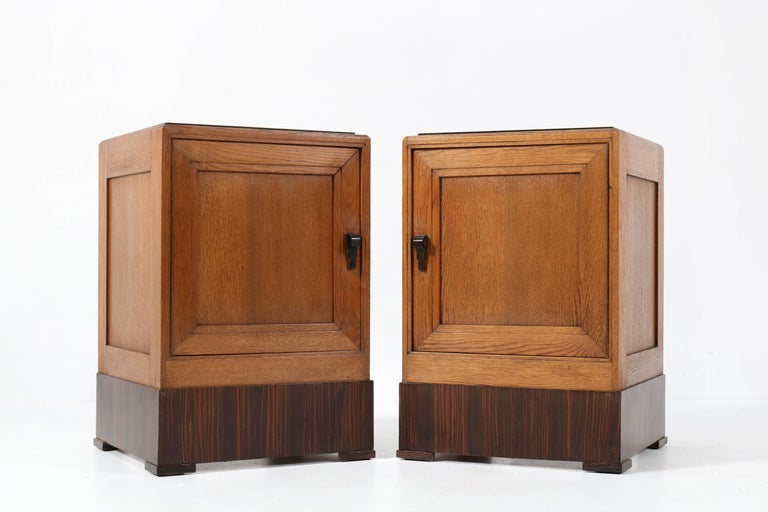Two Oak Art Deco Haagse School Nightstands or Bedside Tables, 1920s In Good Condition For Sale In Amsterdam, NL