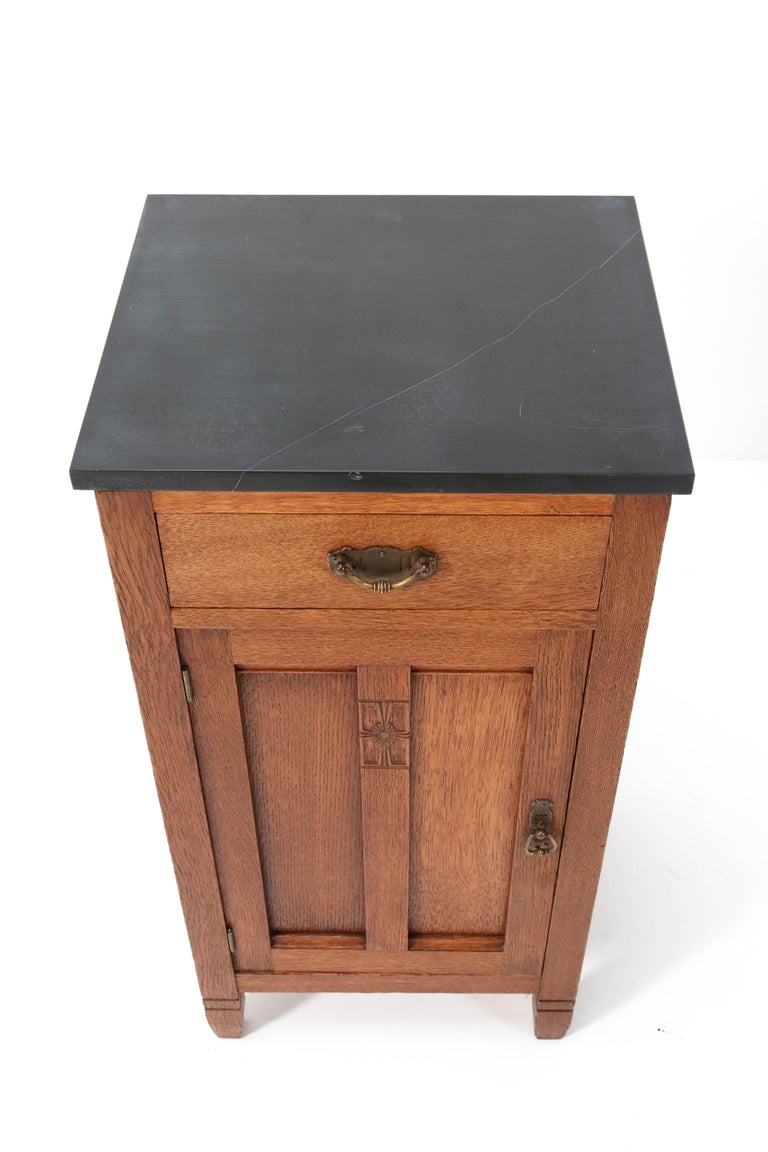 Early 20th Century Two Oak Arts & Crafts Art Nouveau Nightstands by H. Pander & Zonen, 1900s