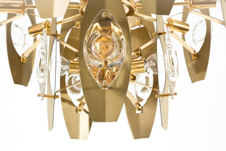 Two Oscar Torlasco Chandeliers, Glass Gilt Brass, Italy, 1960s For Sale 3