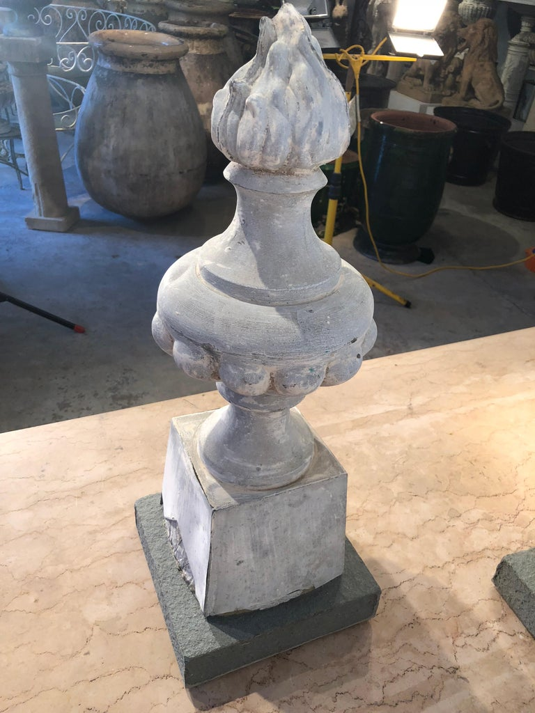 Two Pairs of 19th Century French Zinc Flame Finials For Sale 13
