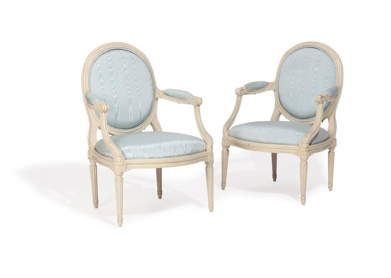 Two Pairs of French White Painted Louis XVI Chairs, Signed Nadal, 1733-1783 In Good Condition For Sale In Virum, DK