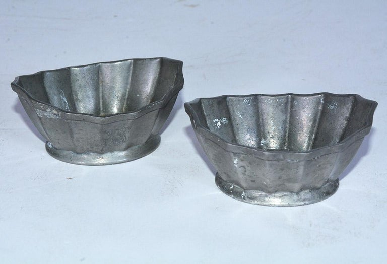 American Colonial Two Petite Fluted Pewter Bowls For Sale
