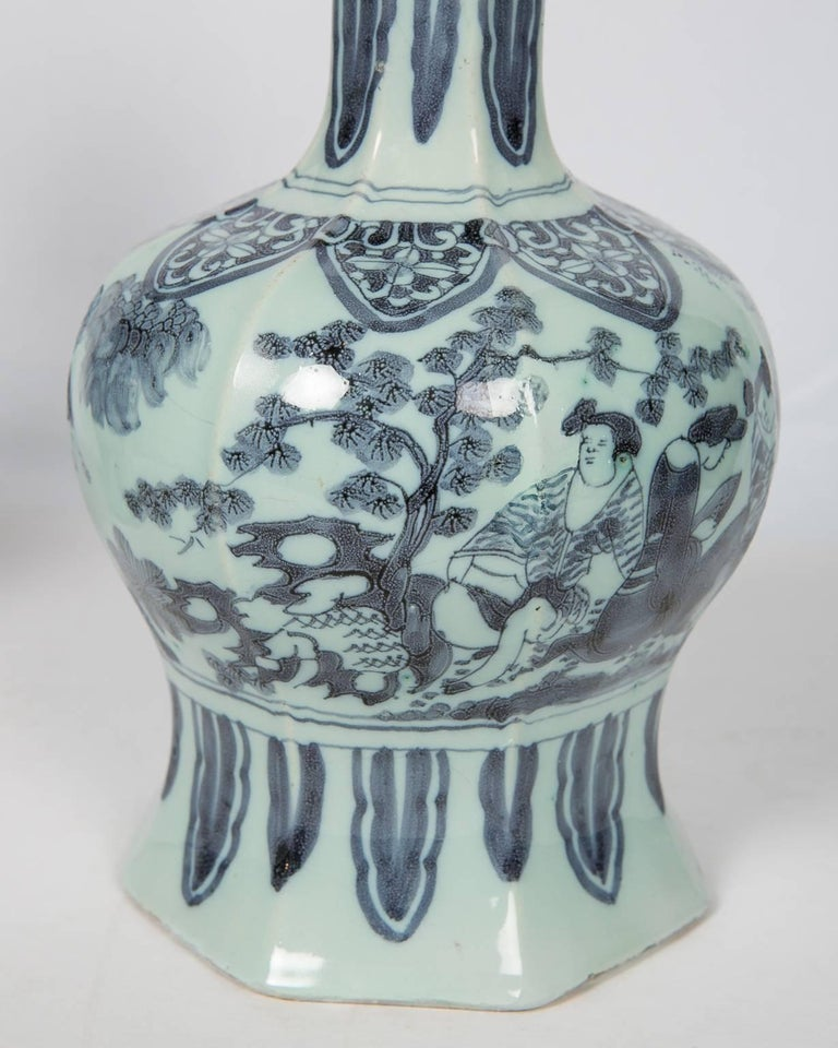 Two Related Blue and White Delft Vases 17th Century For Sale 3