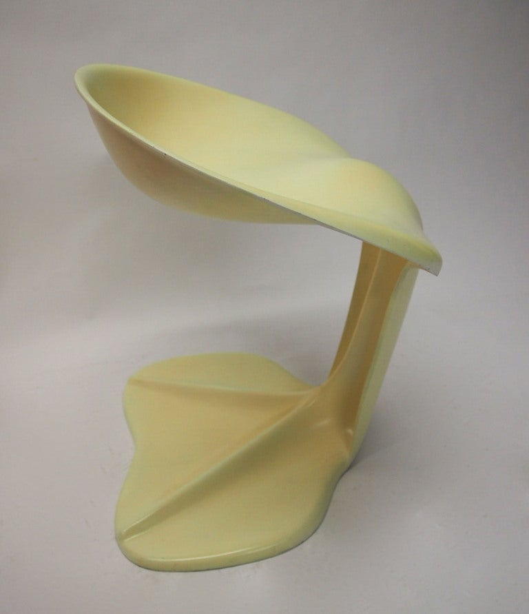 Two Sculptural Fiberglass Chairs by Jean Dudon, France, 1970 In Good Condition For Sale In Jersey City, NJ