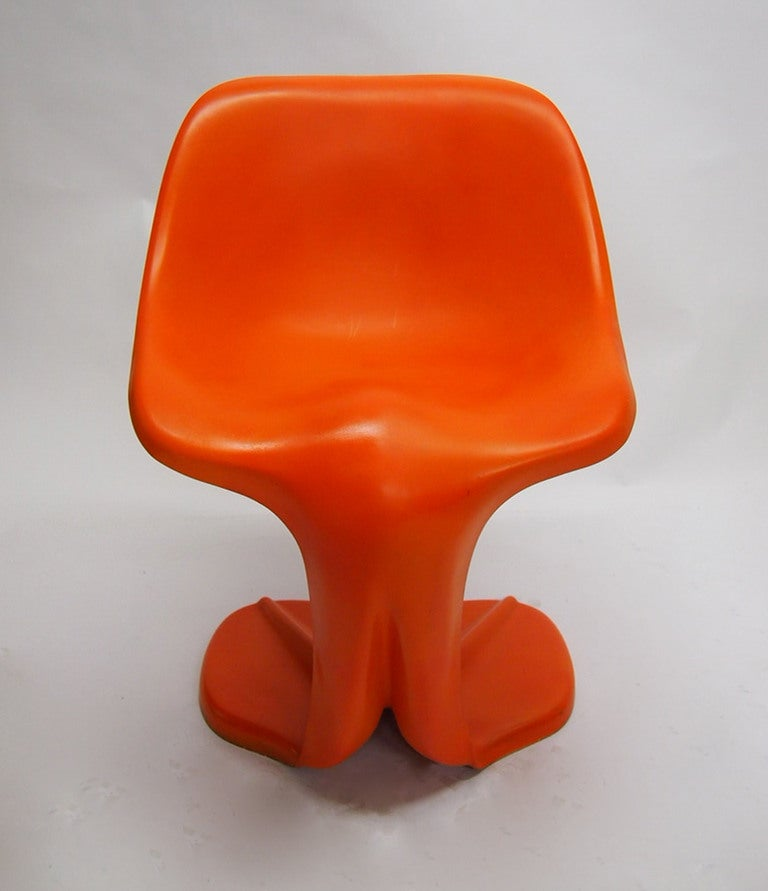 Late 20th Century Two Sculptural Fiberglass Chairs by Jean Dudon, France, 1970 For Sale