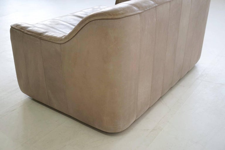 Two-Seat Ds 44 Sofa by De Sede Neck Leather Extendable Seat For Sale 1