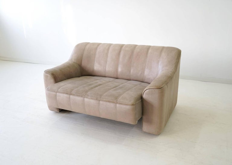 Two-Seat Ds 44 Sofa by De Sede Neck Leather Extendable Seat For Sale 2