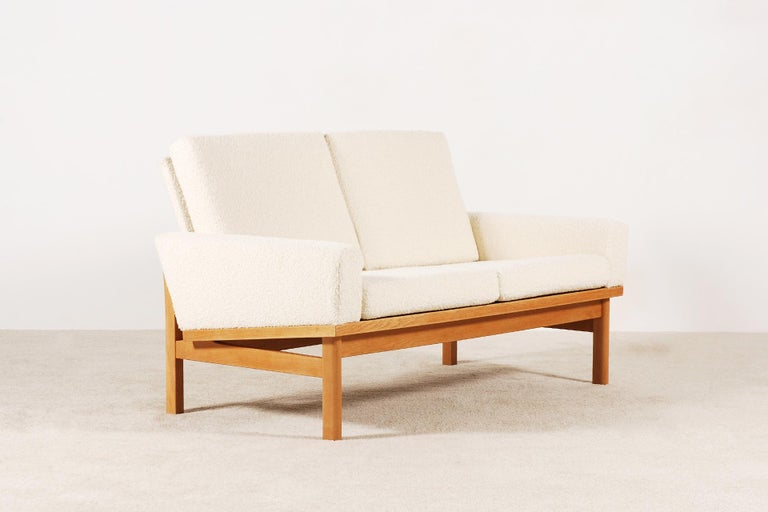 Two-Seat Poul Volther Sofa with Bouclette Fabric, 1960s In Excellent Condition For Sale In Paris, FR