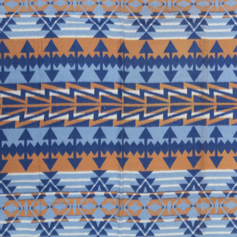 American Two-Sided Cotton Beacon Blanket, circa 1920 For Sale
