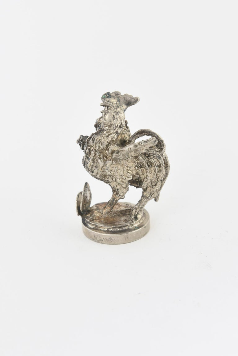 Two Silver Plate Rooster Menus or Place Card Holders, a Pair In Good Condition For Sale In Miami Beach, FL