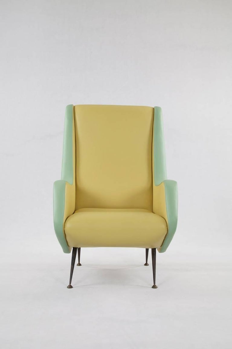 Two-Tone Leather Cover Chairs, Design by Aldo Morbelli for I.S.A. Bergamo, 1950s In Good Condition For Sale In Wolfurt, AT