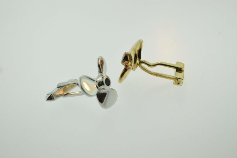 Two-Tone Propeller Yellow and White Gold 18 Karat, Blue and Red Enamel Cufflinks In Good Condition For Sale In Miami, FL