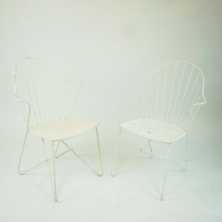 Lacquered Two white Austrian Midcentury Wire Sonett Astoria Chairs For Sale