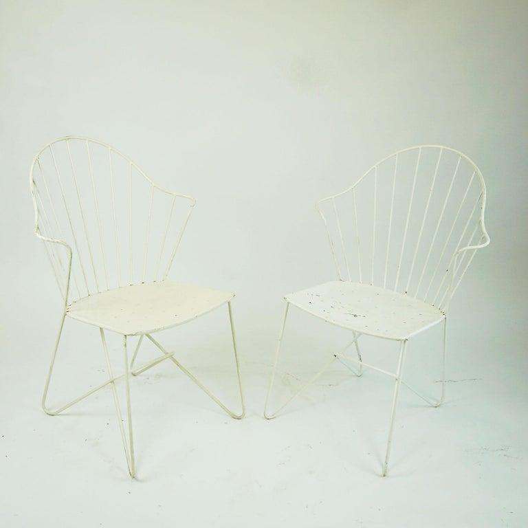 Mid-20th Century Two white Austrian Midcentury Wire Sonett Astoria Chairs For Sale