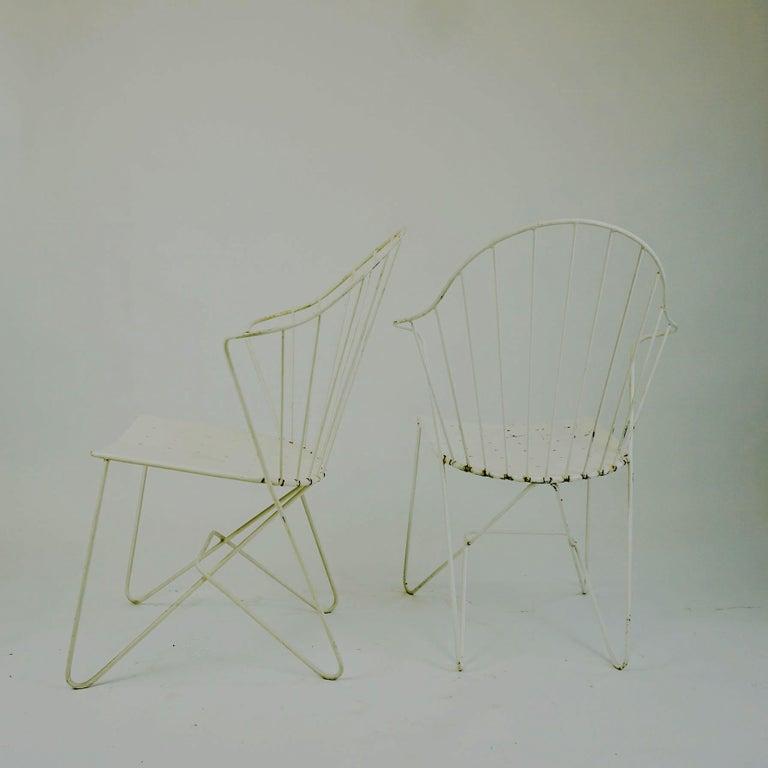 Two white Austrian Midcentury Wire Sonett Astoria Chairs For Sale 2