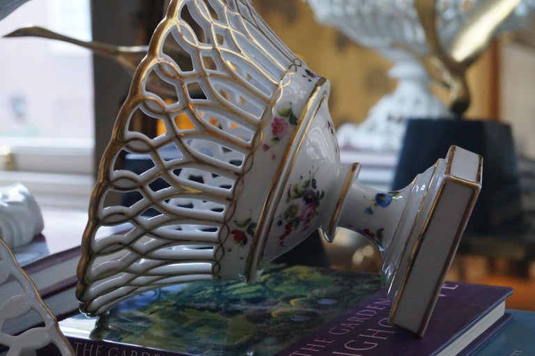19th Century Two Wonderful Old Paris Porcelain Hand Painted Baskets, France, 1840-1850 For Sale