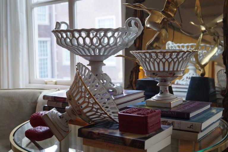Two Wonderful Old Paris Porcelain Hand Painted Baskets, France, 1840-1850 For Sale 1