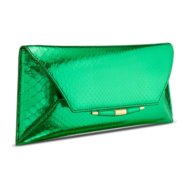 TYLER ELLIS Aimee Clutch Large Bright Green Python Gold Hardware In New Condition For Sale In Los Angeles, CA